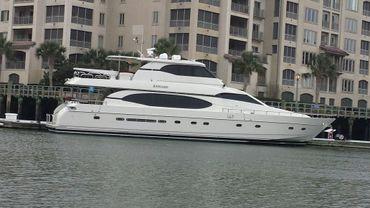 2001 Monte Fino Skyloung Wide Body Motor Yacht
