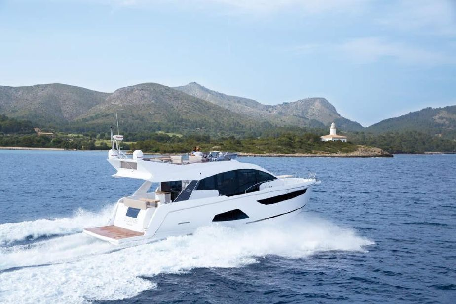 2020 Sealine F530 A Motor Barco En Venta Www Yachtworld Es