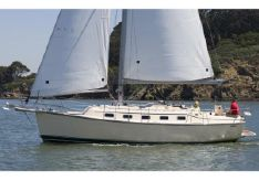 2010 Island Packet Yachts Estero