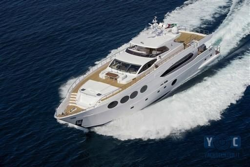 2014 Majesty Yachts 105
