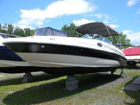 2004 Sea Ray 240 DB