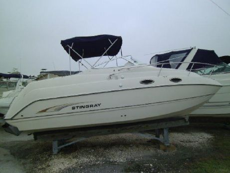 2002 Stingray 240CS   Cruiser