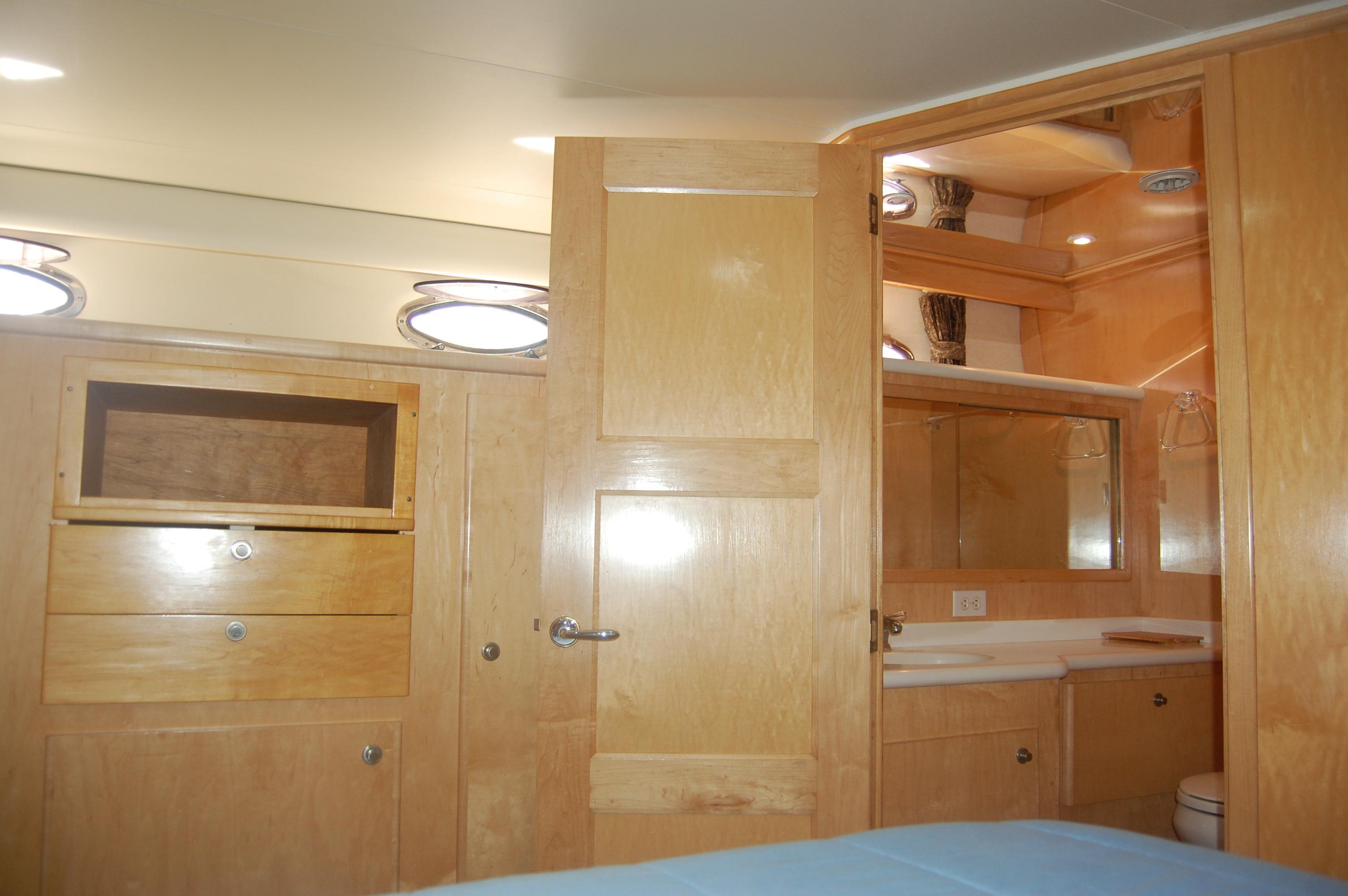 48' Navigator Classic 4800 Cruiser+Photo 31