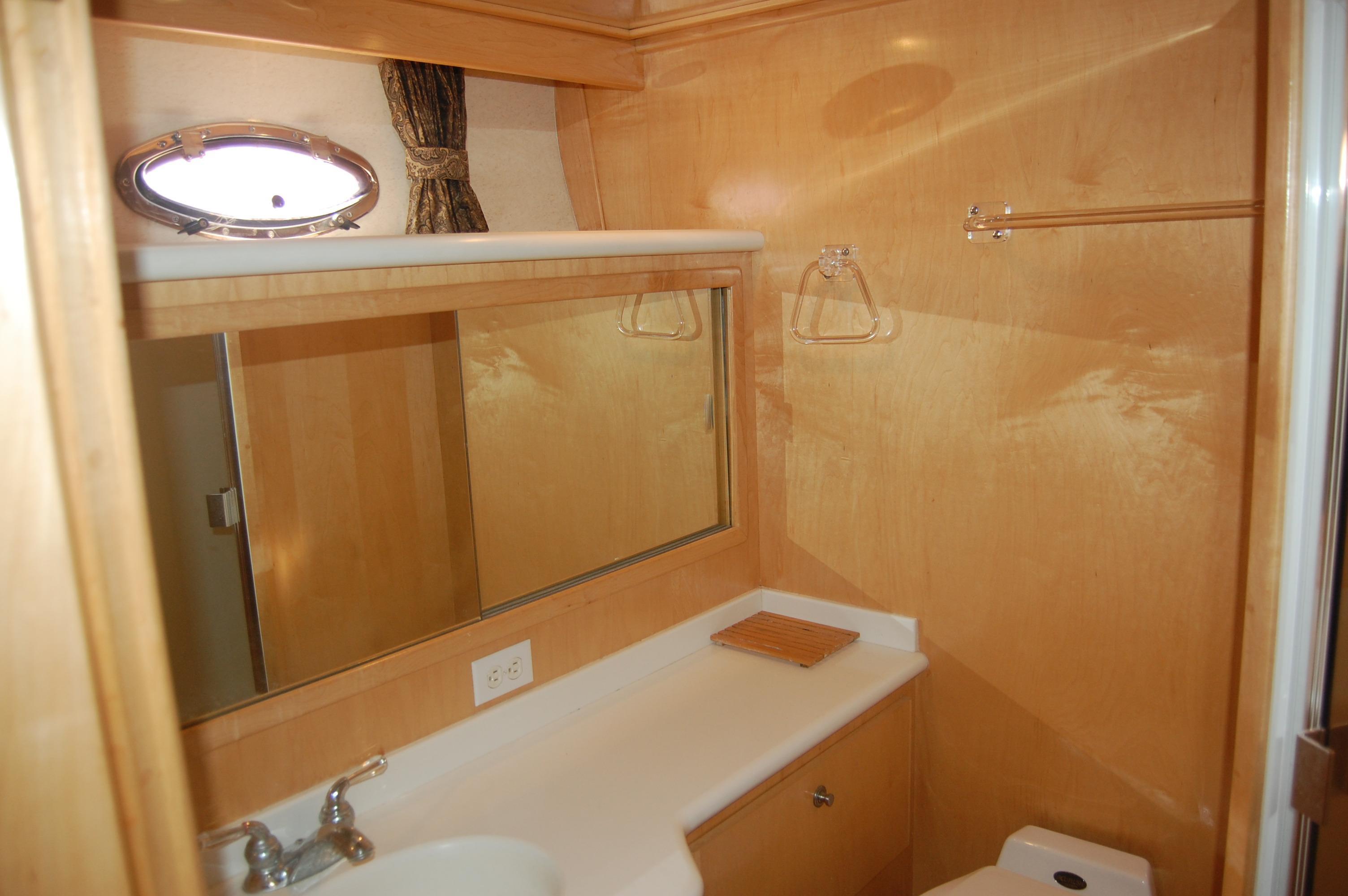 48' Navigator Classic 4800 Cruiser+Photo 38
