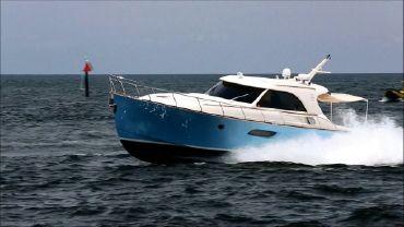 2006 Mochi Craft 44 Dolphin