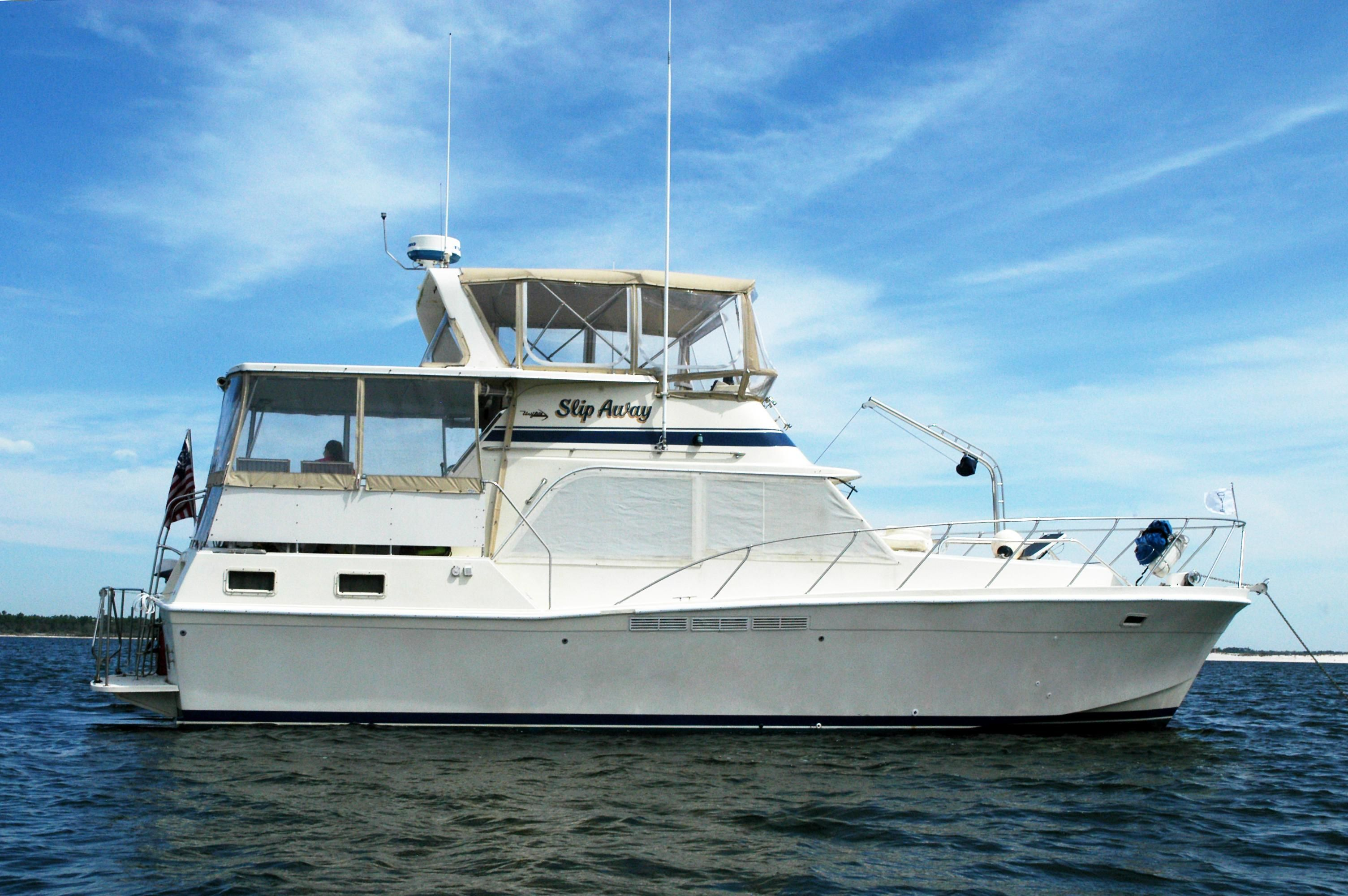 1984 Uniflite Double Cabin Power Boat For Sale Www Yachtworld Com