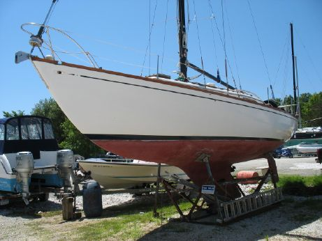 1967 Islander Yachts 37