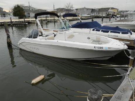 2012 Robalo R200 CC w 150 YAM w 35 HRS