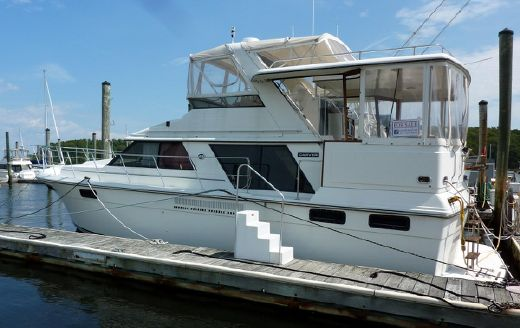 1989 Carver Yachts 4207