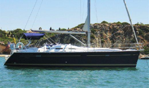 2005 Beneteau Oceanis 393 owners version