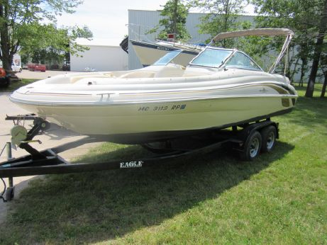 1999 Sea Ray 210 Sundeck
