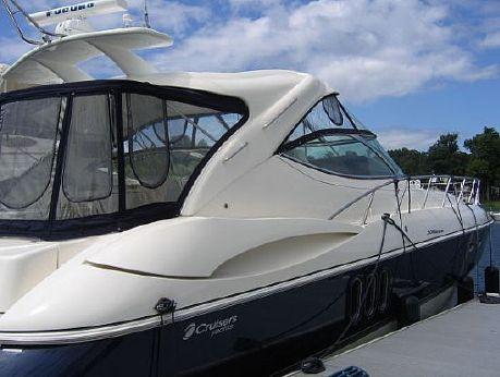 2006 Cruisers Yachts 520 Express