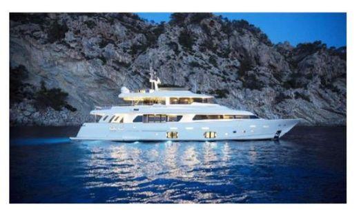2014 Ferretti Yachts Custom Line 33 Navetta