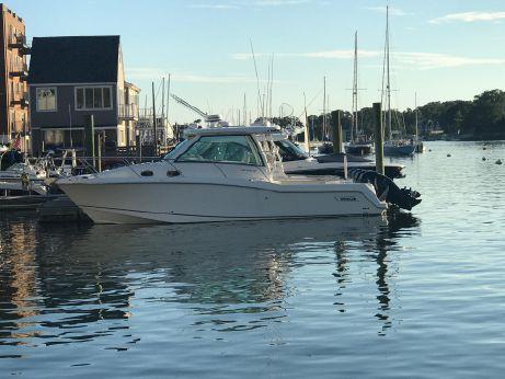 2017 Boston Whaler 315 Conquest Pilothouse