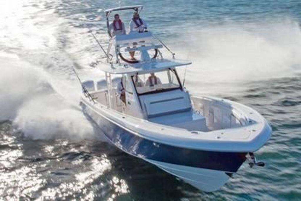 2019 Everglades 435 Center Console Power Boat For Sale