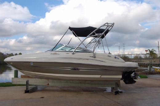 2007 Sea Ray 200 Sundeck