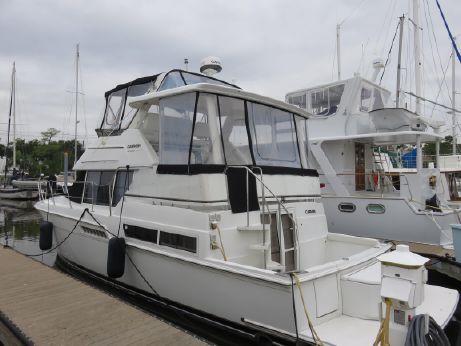 1997 Carver 400 Cockpit Motor Yacht