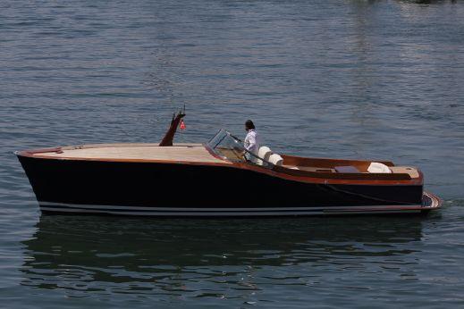 2001 Dubbel & Jesse Aluminum Powerboat 33