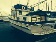 1976 Universal Trawler Tri Cabin