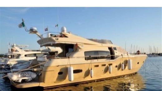 2008 Ferretti Yachts Altura 690