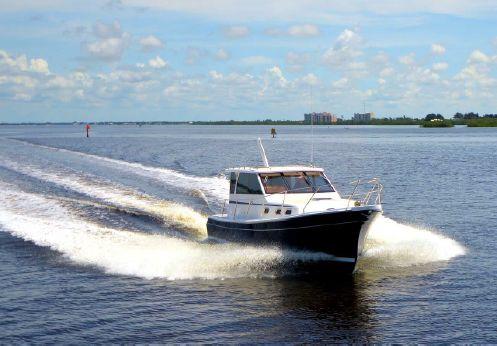 2014 Marlow-Mainship Pilot 32