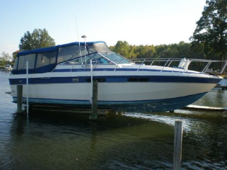 1985 Chris-Craft 336 Commander Mid-Cabin