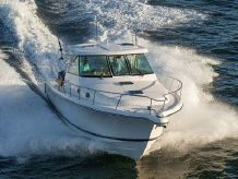 2015 Pursuit 385 Offshore