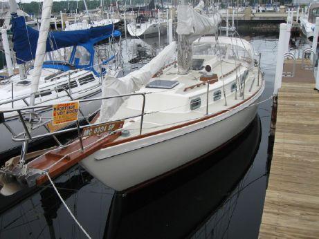 1983 Sea Sprite 34 Cutter Rig