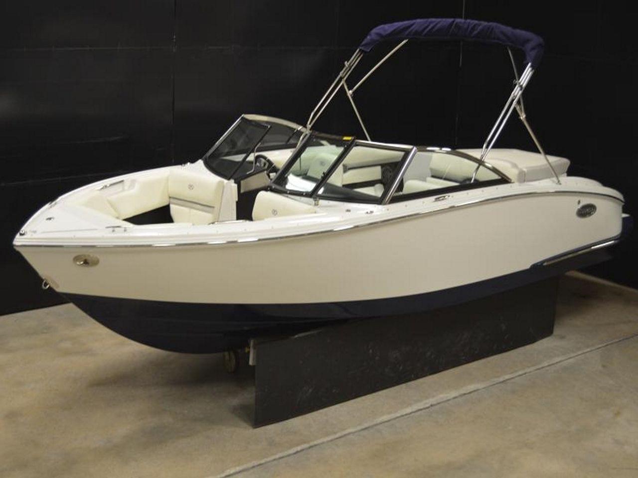 2016 Cobalt Cs3 Power Boat For Sale Www Yachtworld Com