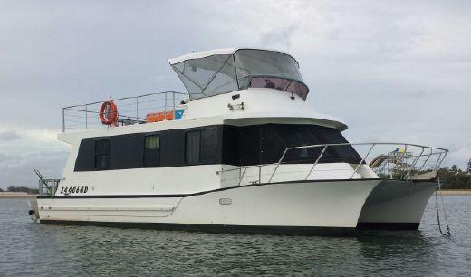 2001 Nustar Catamaran