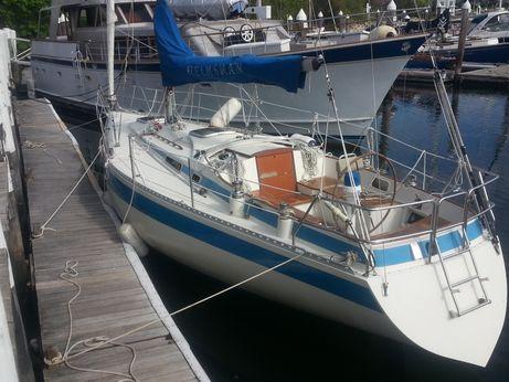 1986 Helmsman 35