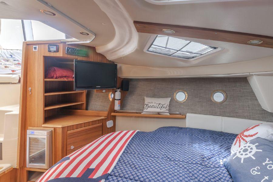 Ranger Tugs R29 Cabin Interior
