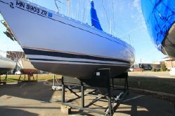 Photo of Beneteau 305