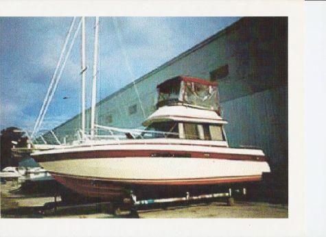 1986 Chris Craft 333 Sedan