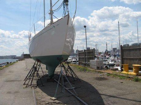 1969 Seafarer 30