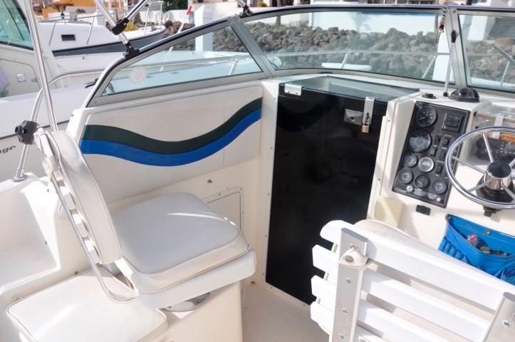 26' Seaswirl Striper 2600+