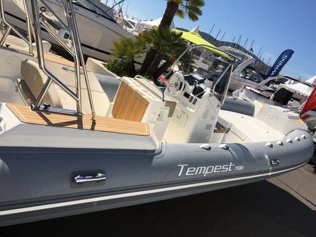 2016 Capelli Tempest 700