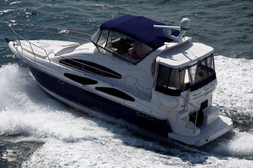 2006 Cruisers 385 Motoryacht Diesel