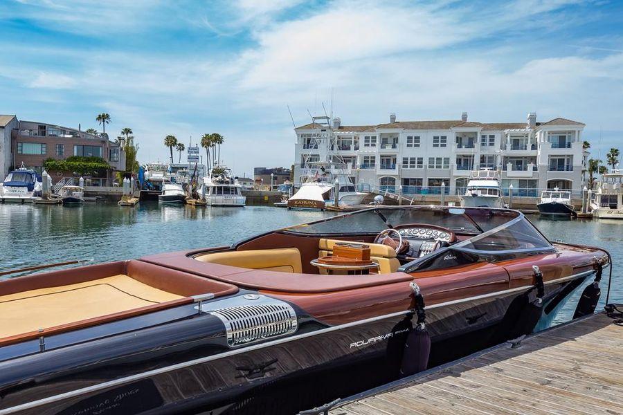 Riva 33 Aquariva Super Yacht at Dock