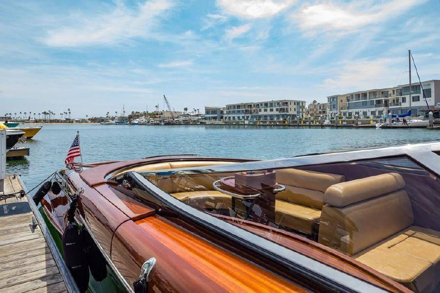 Riva Aquariva Super Luxury Yacht Exterior