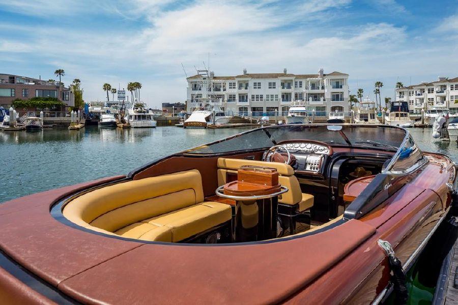Riva Aquariva Super Yacht for sale in Newport Beach