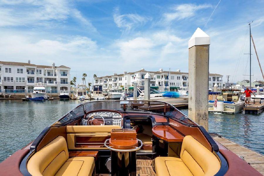 33 Riva Aquariva Super Luxury Yacht for sale in Newport