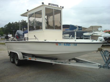 2000 White Water 21 Bay Center Console