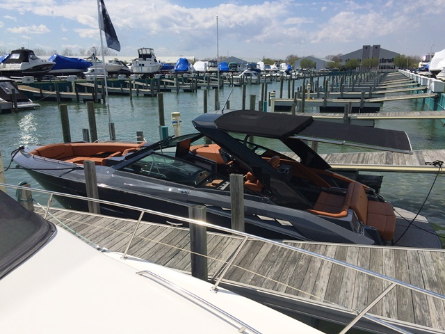 2017 Cruisers Yachts 338 South Beach Power Boat For Sale