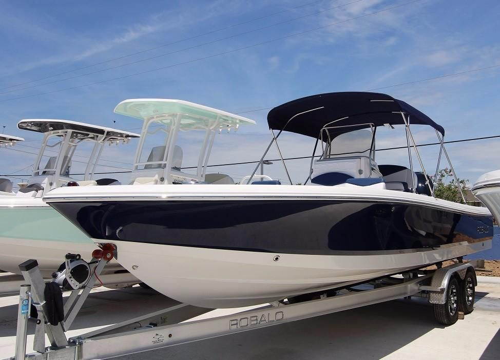 2018 robalo 246 cayman power boat for sale www for Robalo fish in english