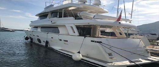 2015 Ferretti Yachts Custom Line Navetta 30