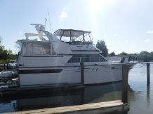 1989 Carver Californian 45 Motor Yacht