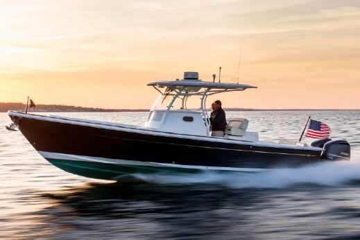 2018 Hunt Yachts Center Console 32
