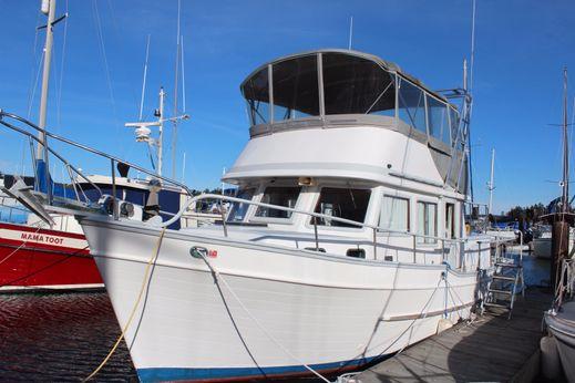 1981 Universal Trawler 36