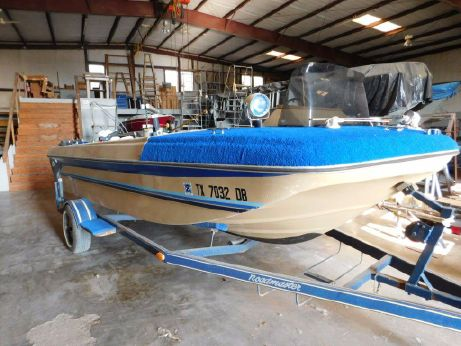1982 Falcon Boats Striper Pro